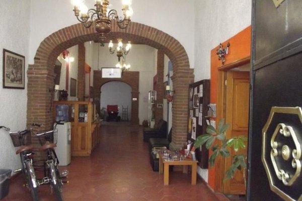 Itza Hostal - фото 3