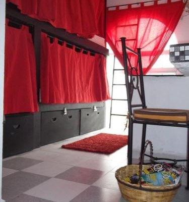 Hostal Galerie - фото 3