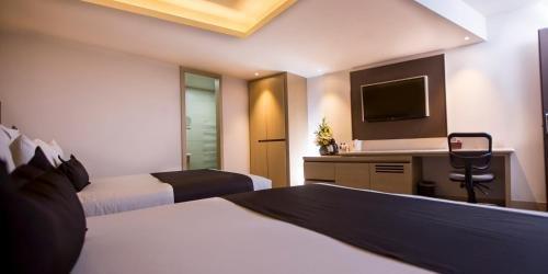 Hotel Plaza Poblana - фото 2