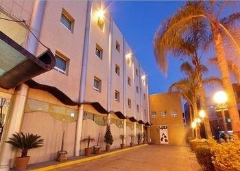 Hotel Plaza Poblana - фото 23