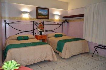Hotel Plaza Poblana - фото 4