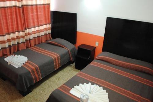 Hotel Jimenez - фото 2