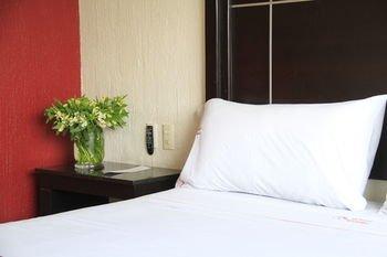 Hotel Estadio - фото 1