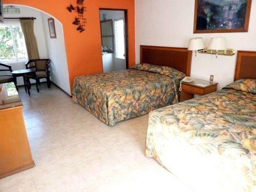 Hotel Bajo el Volcan - фото 2