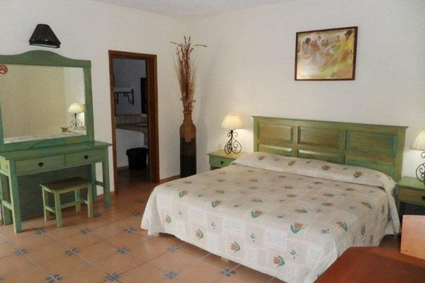 Hotel Montroi Express - фото 1