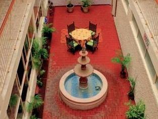 Hotel Elizabeth Ciudad Deportiva - фото 20