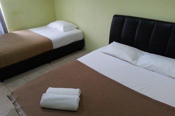 Гостиница «Century Rest Inn», Куа