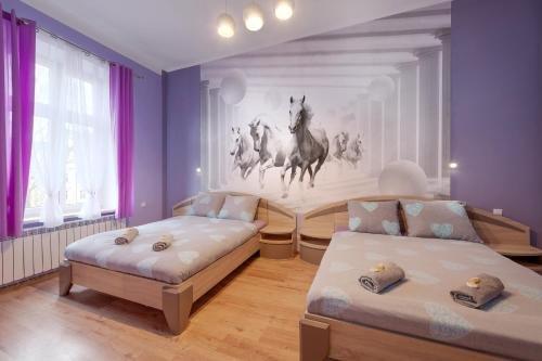 Queen Apartments - фото 50