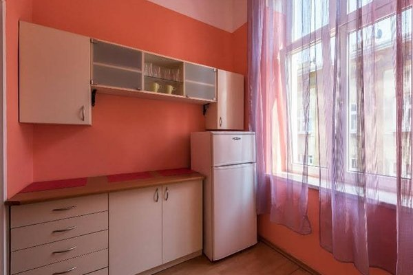 Queen Apartments - фото 17