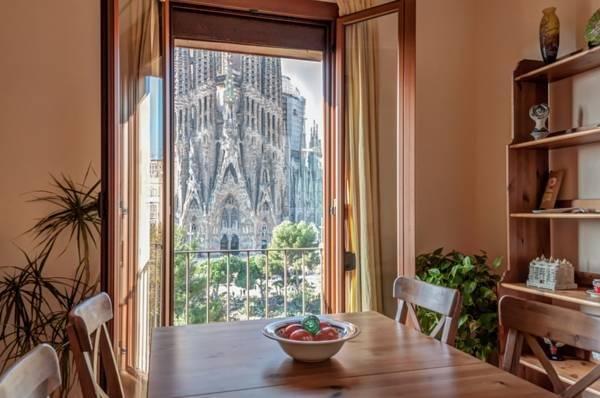 Gaudi's Nest Apartments - фото 13