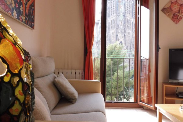 Gaudi's Nest Apartments - фото 16