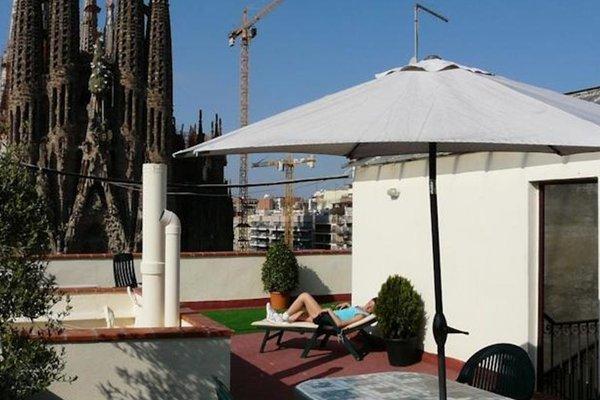 Gaudi's Nest Apartments - фото 20