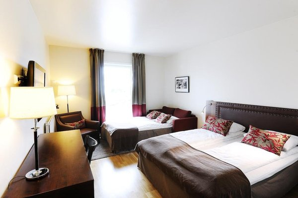 Sola Strand Hotel - фото 2