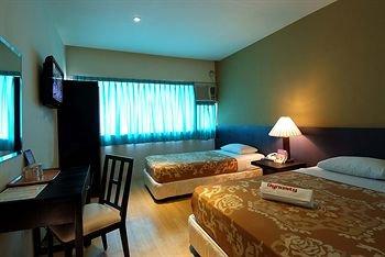 Dynasty Tourist Inn - фото 1