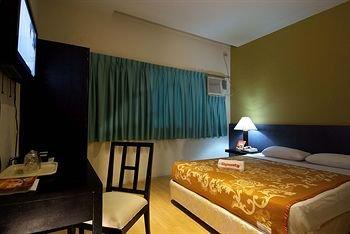 Dynasty Tourist Inn - фото 4