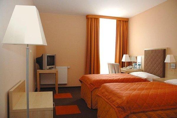 Hotel Orange Przezmierowo - фото 1