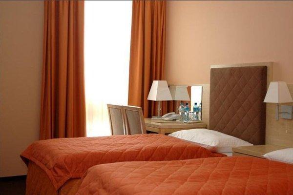 Hotel Orange Przezmierowo - фото 2