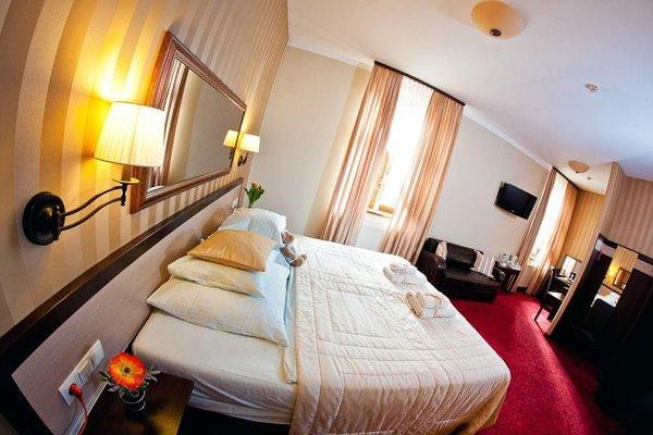 Hotel Amber - фото 1