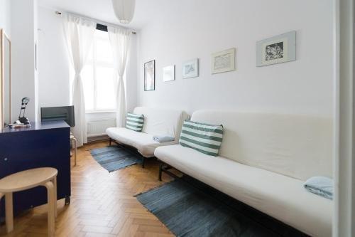 Home in Krakow Silvio's Apartments - фото 3