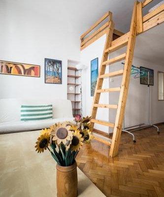 Home in Krakow Silvio's Apartments - фото 4