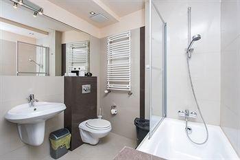 Hamilton Suites - Royal Apartments - фото 12