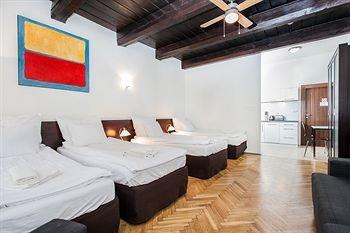 Barbican House Apartments - фото 6