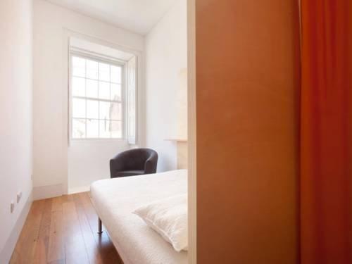 Porto Lounge Hostel & Guesthouse - фото 1