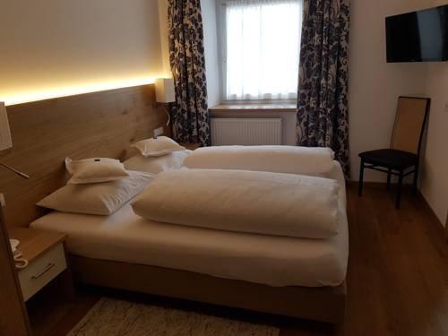 Hotel Dolomiten - фото 2