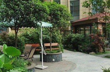 Hua Lian Dong Huan Hotel - фото 3