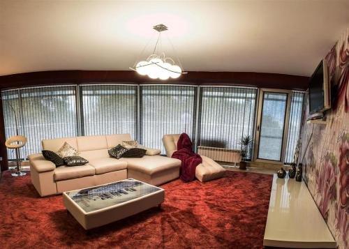 Luxury Apartments Burgas - фото 1