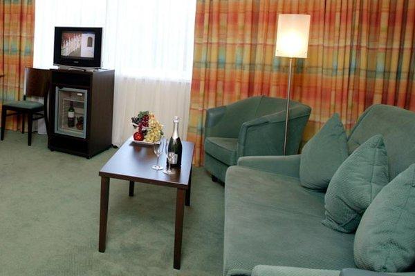 Отель  Раушен - фото 10
