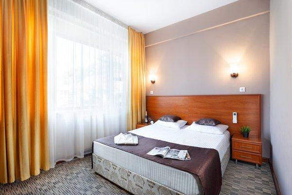 Отель Радужный - фото 1