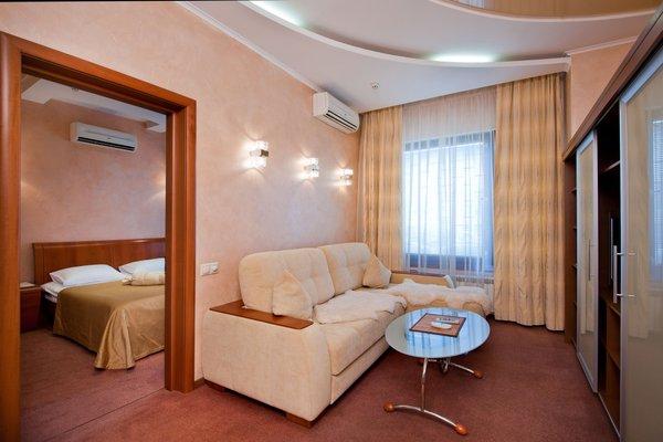 Отель Юг - фото 1