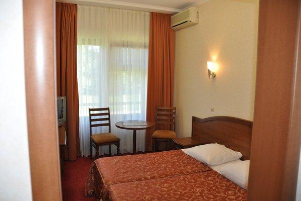 Отель Юг - фото 2
