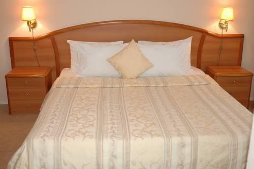 Гостиница Cronwell Inn Югра - фото 1