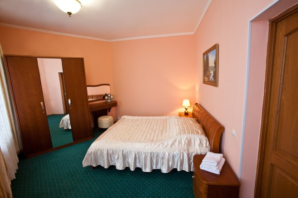 Гостиница Кристалл - фото 1