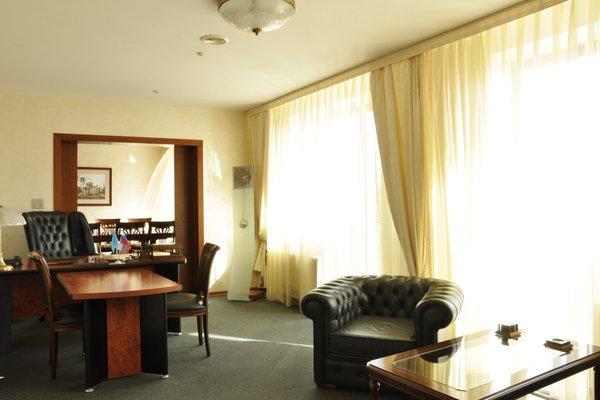 Отель Виктория Палас - фото 1