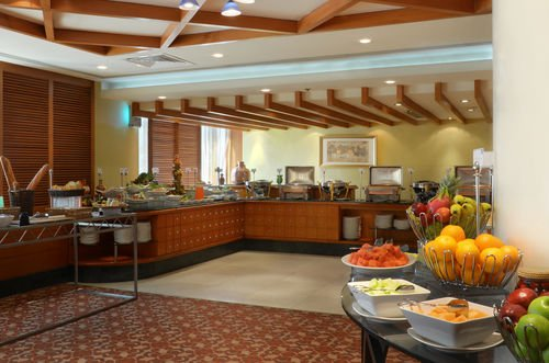 Swiss-Belhotel Sharjah - фото 15
