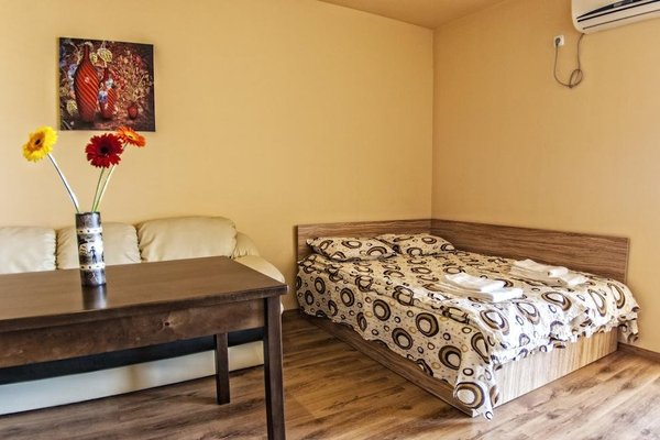 TEIS Apartments - фото 4