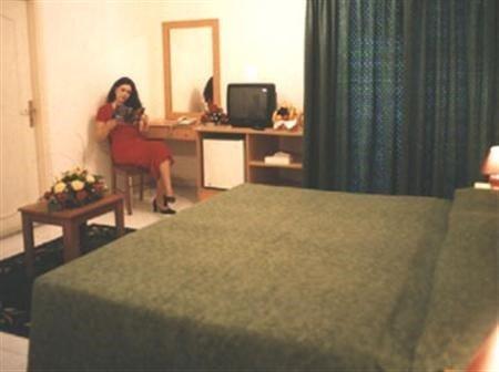 Royal Crown Suites - фото 19