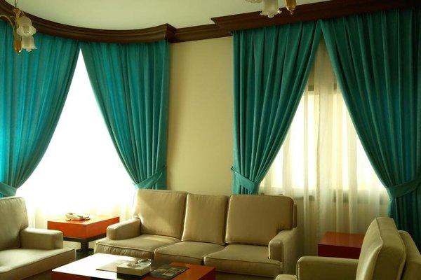 Royal Crown Suites - фото 3