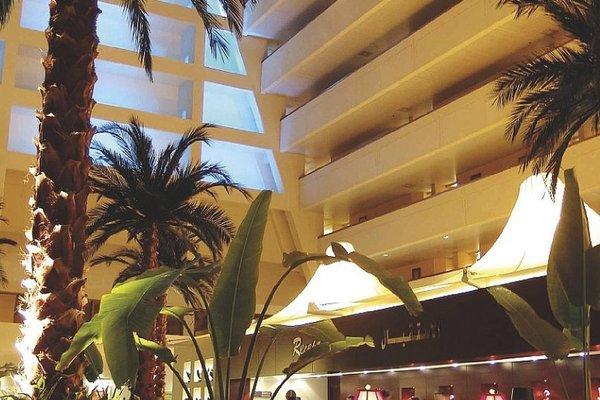 Radisson Blu Resort, Sharjah - фото 13