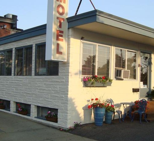 Photo of Town & Beach Motel