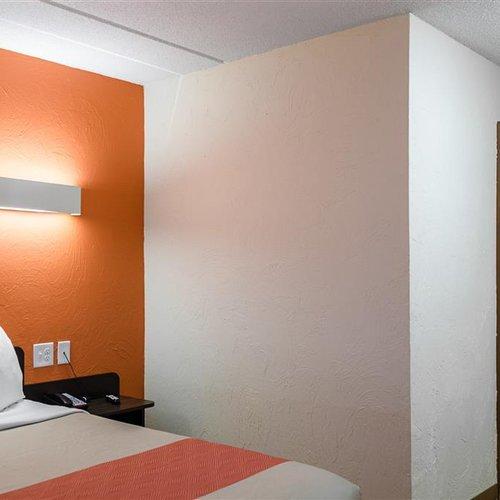 Photo of Motel 6 Westborough, MA