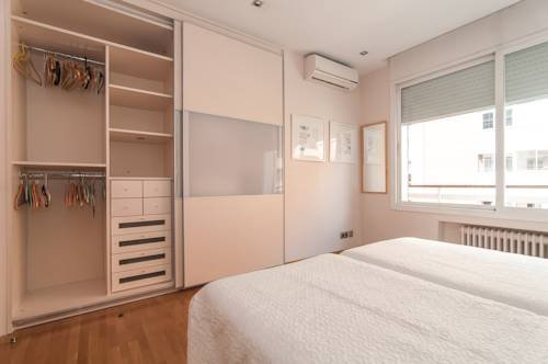 Rent a Flat in Barcelona - Eixample - фото 1