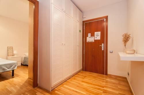 Rent a Flat in Barcelona - Eixample - фото 12