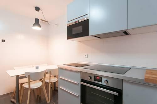 Rent a Flat in Barcelona - Eixample - фото 22