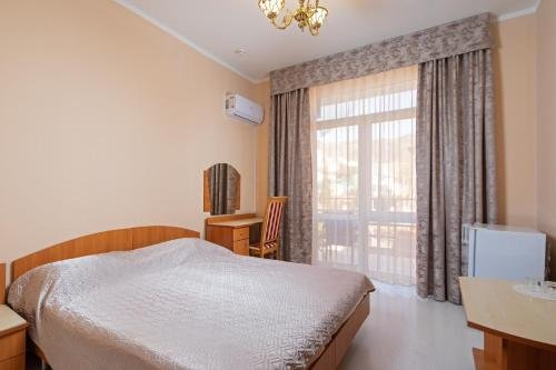 Отель Круиз на Серафимовича - фото 1