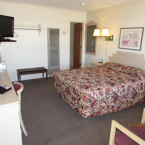 Photo of Royal Host Motel