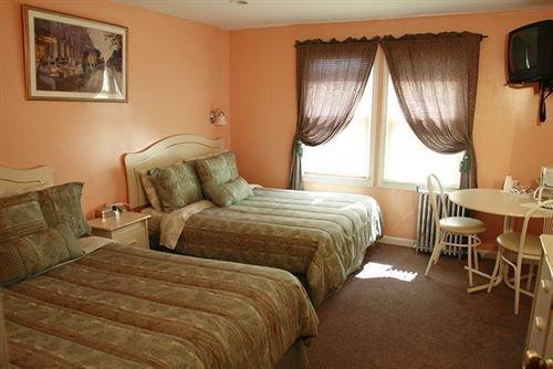 Photo of Jones Beach Hotel